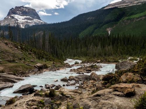 Witam po urlopowej przerwie.Zapraszam do Banff National Park w Kanadzie ,przepiekna okolica.Musze przyznac ze w naturze wyglada to lepiej niz nz zdjeciach :)