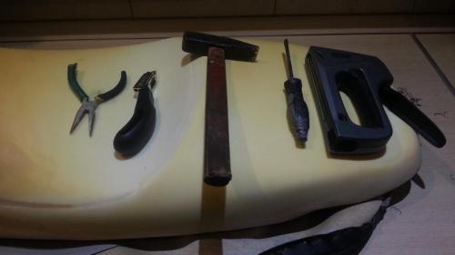 narzędzia niezbędne do wykonania pracy #kanapa #Varadero