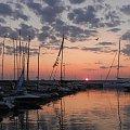 Nowy dzień wstaje nad mariną #wschód #sunrise #marina #jacht #yacht
