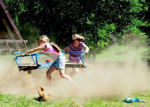 Zabawa, dzieci, karuzela, mazury #Mazury